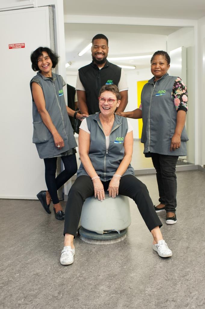 Maryline Remy et son équipe aux bureaux Sillon de Bretagne pour ADC Propreté