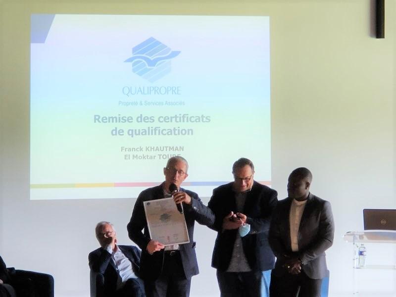 lors de l'AG de la FEP Ouest (Fédération des entreprises de Propreté), Phillipe Fieux, Président d'ADC Propreté, s'est vu remettre le certificat de qualification Qualipropre !